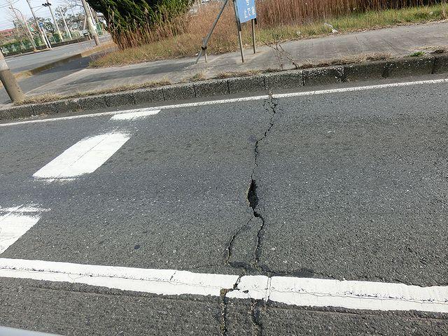 道路 亀裂