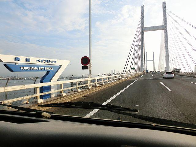 キャンピングカー 横浜ベイブリッジ