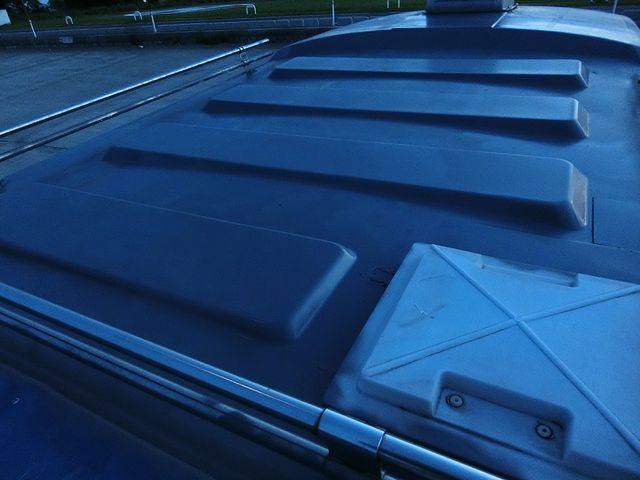 キャンピングカー 屋根 塗装