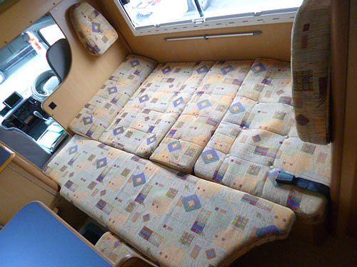 中古キャンピングカー
