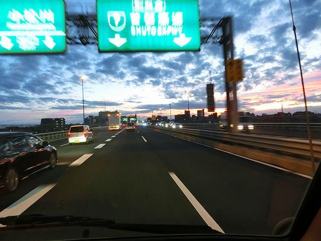 首都高速 キャンピングカー