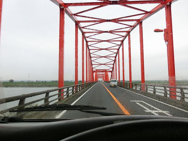 キャンピングカー 利根川 橋