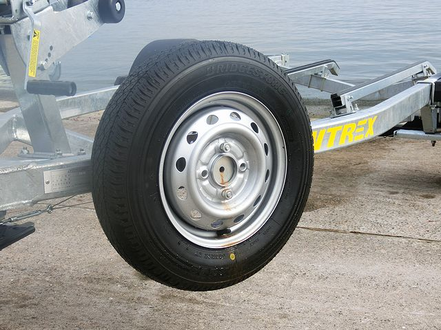サン自動車TB10