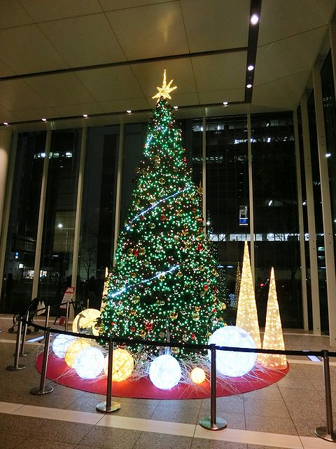 PACIFIC CENTURY PLACE クリスマスツリー
