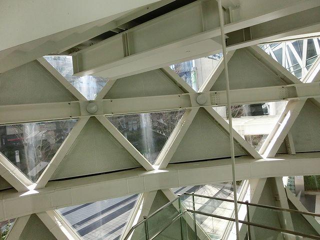 東京モード学園総合校舎コクーンタワー
