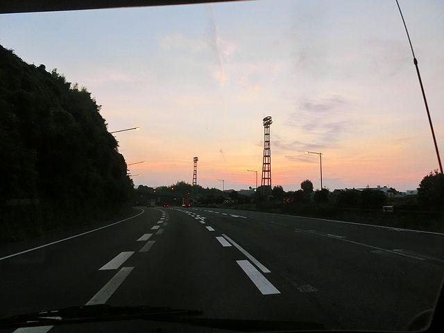 キャンピングカー 東名高速道路