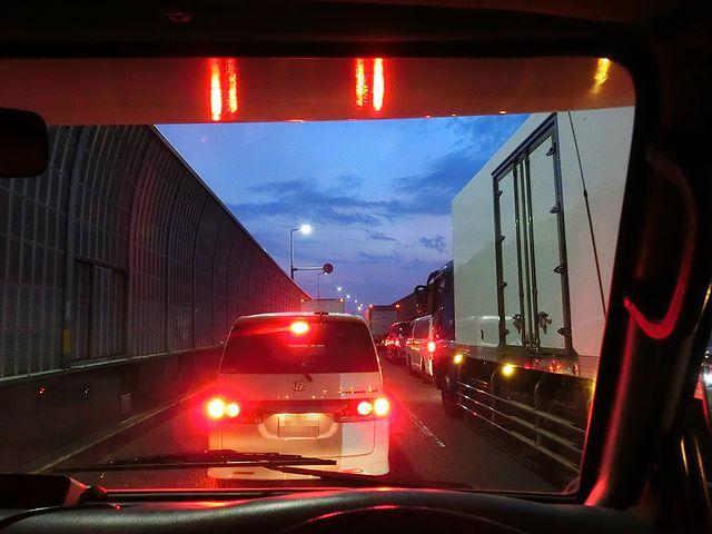 キャンピングカー 渋滞